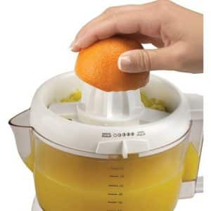 10. BLACK+DECKER CJ630 32-Ounce Electric Citrus Juicer, White